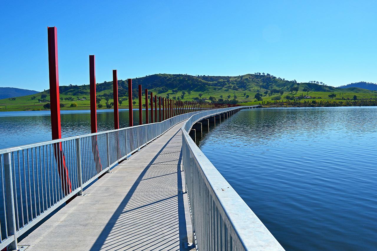 Lake Hume Walking Bridge